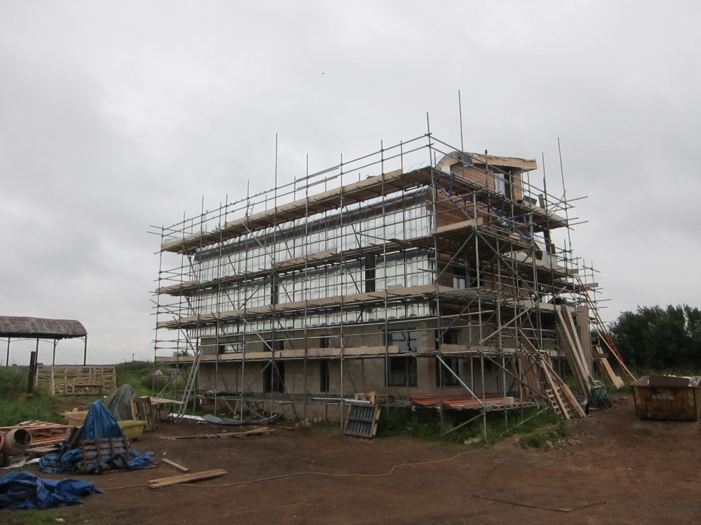 Zinc completed on curved section of north roof