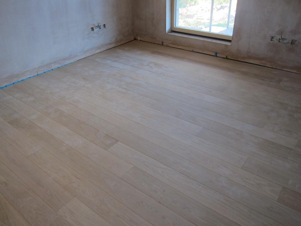 Oak flooring in Dining Room